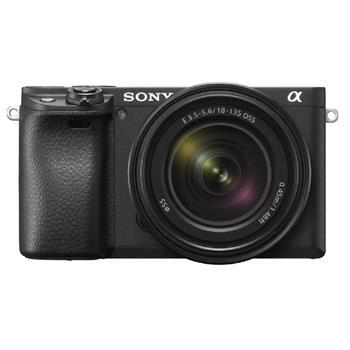 SONY Alfa 6400 fotoaparát, 24.2 MPix - tělo - černé + 18-135mm objektiv